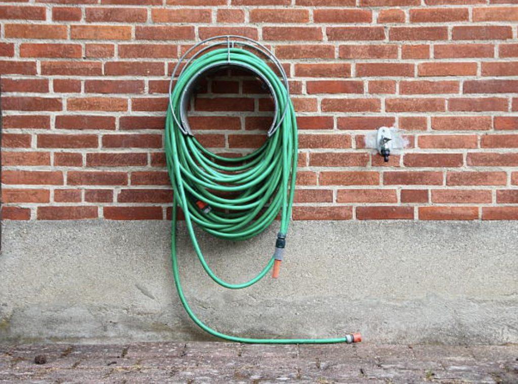 hang garden hose