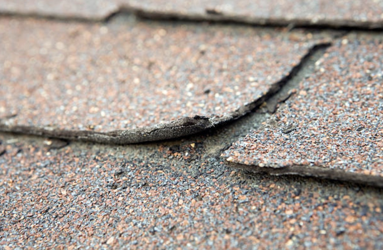 buckling of roof is one of the residential roof inspection checklist you must have