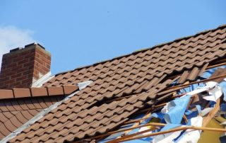 does home insurance cover roof repairs